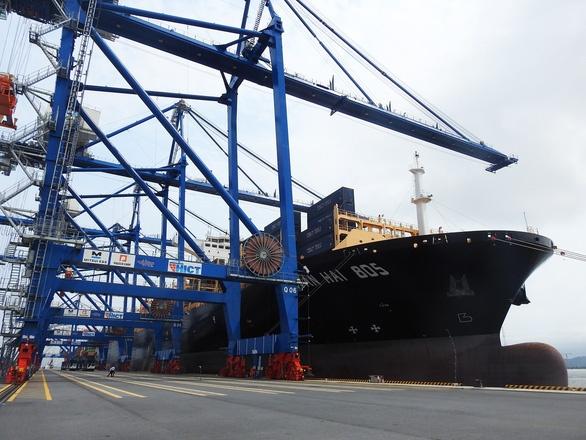 Cảng Lạch Huyện là cảng nước sâu có thể đón tàu siêu trọng hơn 100.000DWT